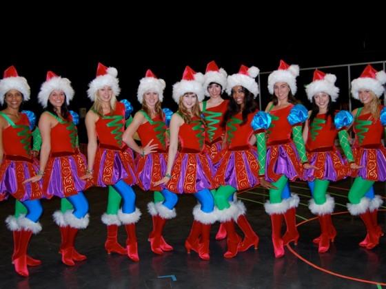 Shrektacular Female Dancers